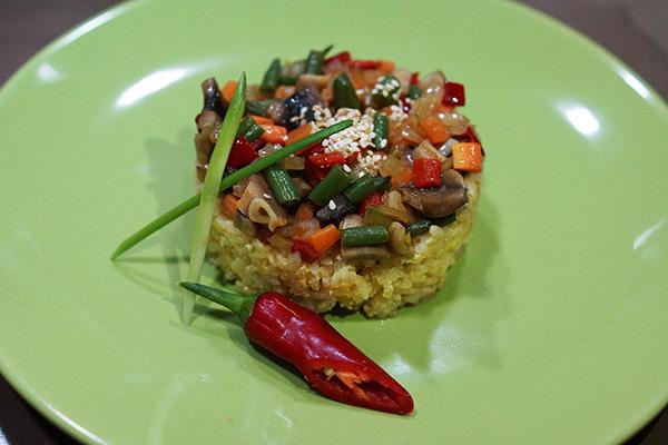 Рис по тайски с яйцом